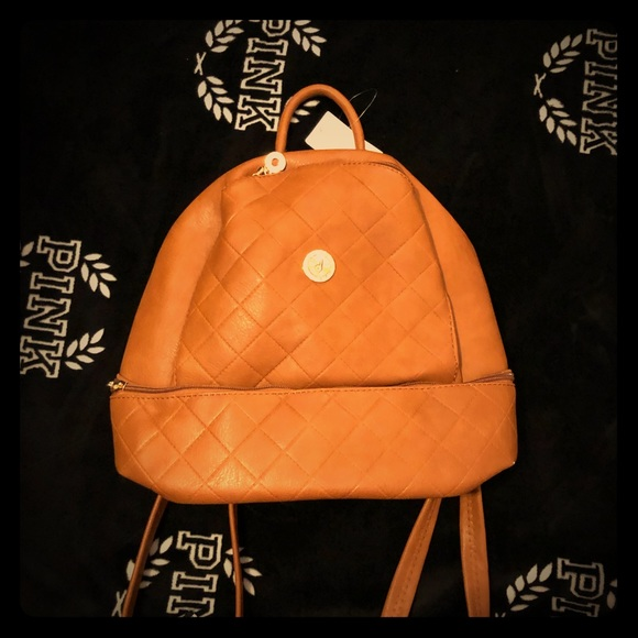 Handbags - Backpack